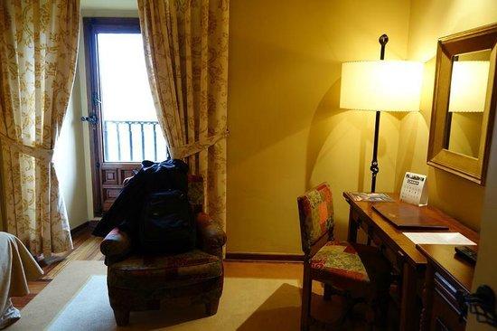 """Parador """"Hostal San Marcos"""": Room"""