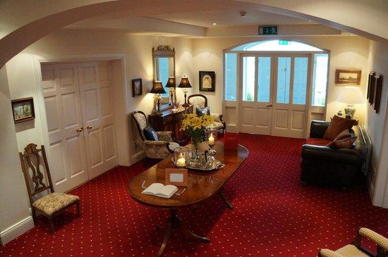 Castlewood House: Lobby