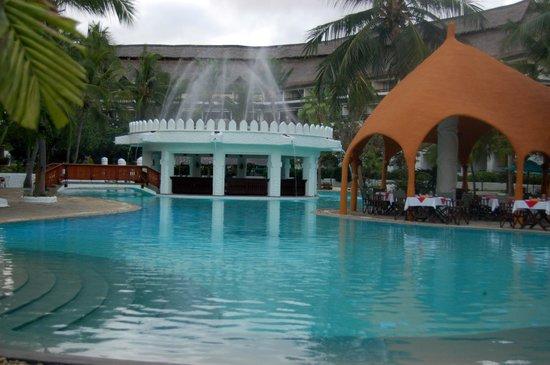 Southern Palms Beach Resort: Pool 1