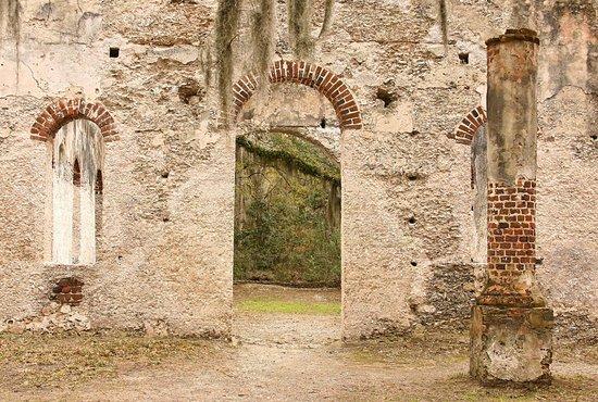 Chapel of Ease: Entrance