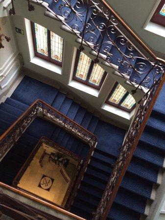 Hotel Horus Zamora: Escalera