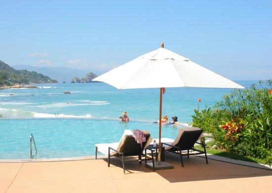 Garza Blanca Preserve, Resort & Spa: drinks anyone?
