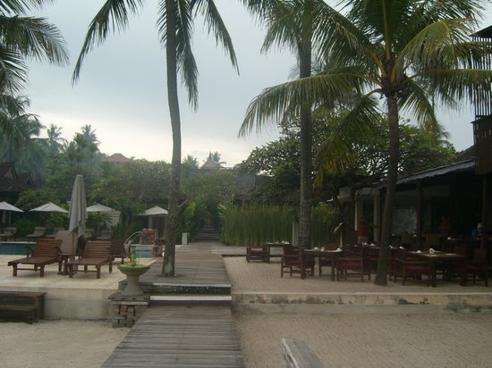 Rama Candidasa Resort & Spa : Near the restaurant and pool