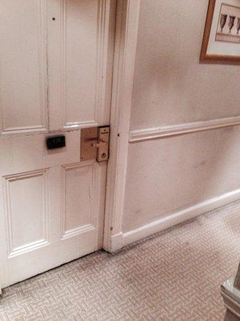 Millennium Hotel Glasgow: Outside bedroom door