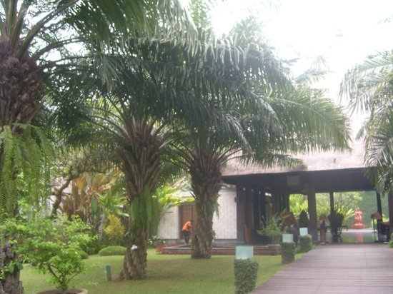 Rama Candidasa Resort & Spa : Hotel grounds
