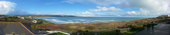The Penellen Hotel: Lovely view across St Ives Bay from bedroom balcony