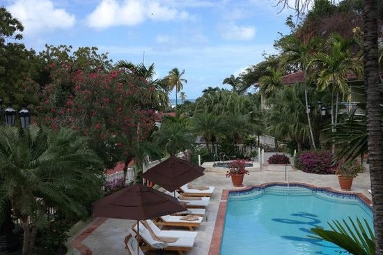 Sandals Grande Antigua Resort & Spa : Pool and view from 828 in the Anthurium building