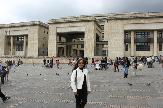 Plaza de Bolivar: Palácio de Justiça - Plaza Bolivar - Bogotá