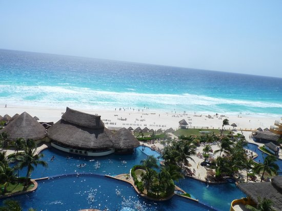 Fiesta Americana Condesa Cancun All Inclusive: View from 8th Floor of Sea Tower
