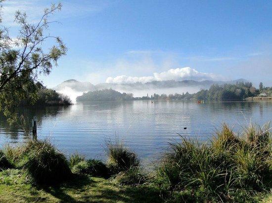 Rotorua Duck Tours: Okareka Lake