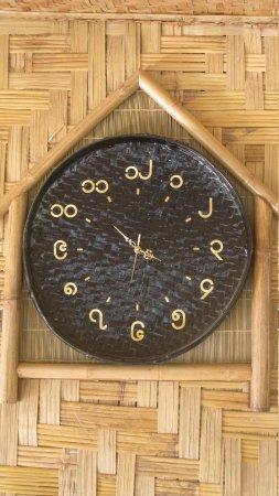 Bamboo Hut : L'horloge avec les chiffres birmans (la suele que j'ai vu)