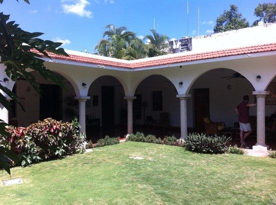 Hotel Posada San Juan: Vista de la Posada San Juan