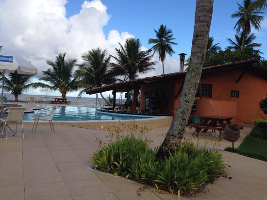 Karapitangui Praia Hotel: Pool bar :)