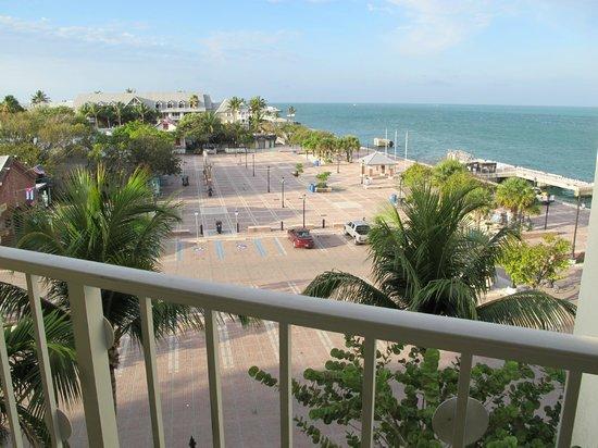 Ocean Key Resort & Spa: Mallory Sq from room 522