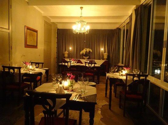 Sanbona Wildlife Reserve - Tilney Manor, Dwyka Tented Lodge, Gondwana Lodge: indoor dining area