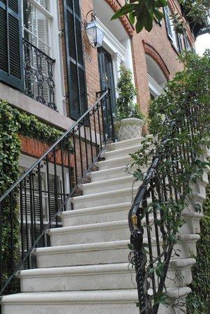 Capturing Savannah - Photography Tours: Ms. Cissy's Porch