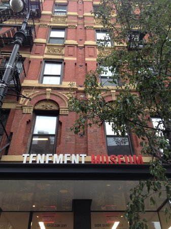 Tenement Museum: Photos not allowed inside