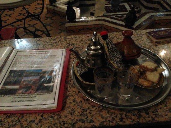 Riad Jomana: benvenuto con thè
