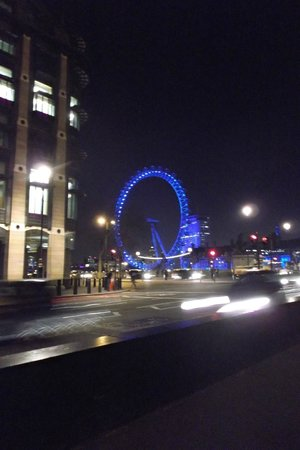Premier Inn London County Hall Hotel : The Eye