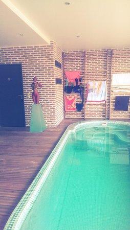 SweetHOME : piscine.hammam