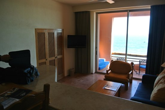 Club Regina Los Cabos: Living room area of studio unit side