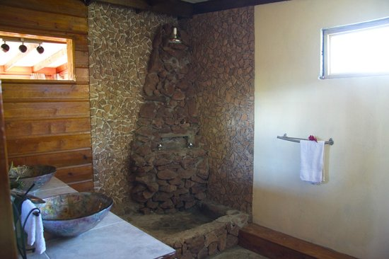 Crystals St Lucia: Master suite rock shower