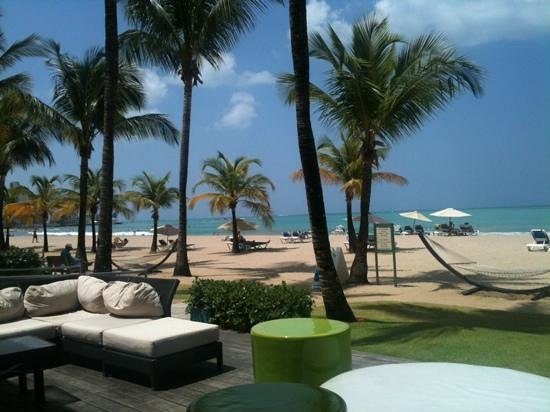 Courtyard Isla Verde Beach Resort: the Sirena bar