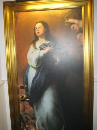 Gran Melia Colon : Painting on the door of room