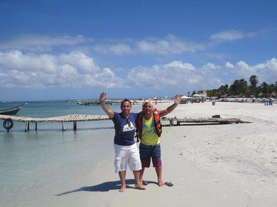 Coche Paradise Hotel Isla Margarita : caminata por la playa