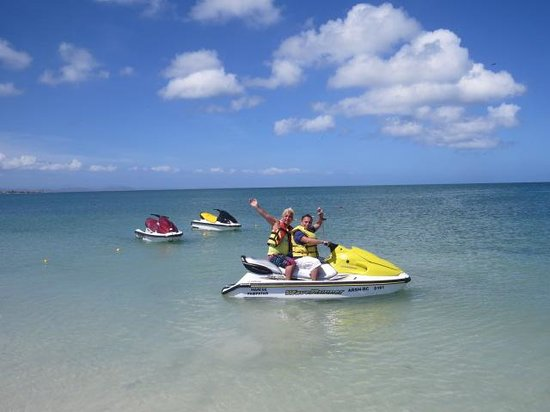 Coche Paradise Hotel Isla Margarita : Aguas mansas ideales para navegar en moto de agua