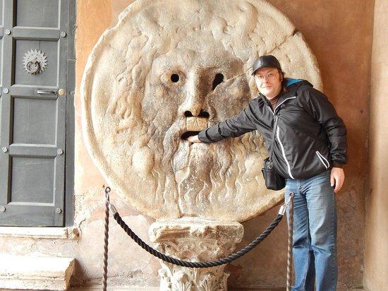 Piazza della Bocca della Verità : Уста Истины