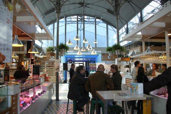 Mercado Victoria: A panoramic view of the entrance