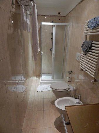 Hotel Impero: ванная