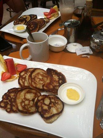Las Cascadas The Falls: Rosie Belle's pancakes YUM!