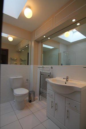 Sea Shore Farm Guesthouse: Bathroom 4