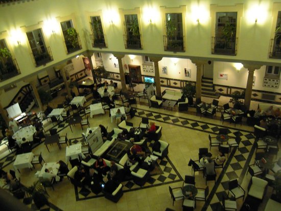 Palacio de los Velada: patio donde tomar una copa o incluso cenar