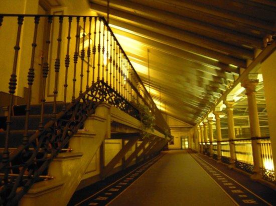Palacio de los Velada: pasillo a las habitaciones