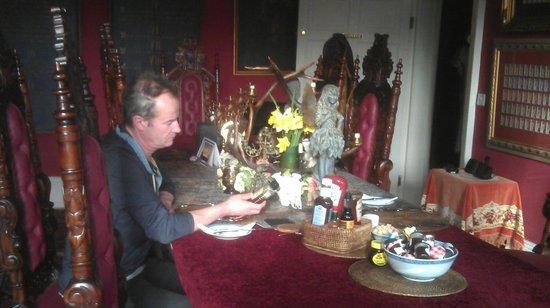 The Covenstead Glastonbury: the breakfast room