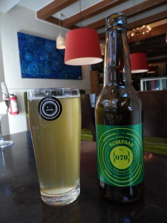 De Blauwe Hollander: Kompaan: a local beer. Recommended.