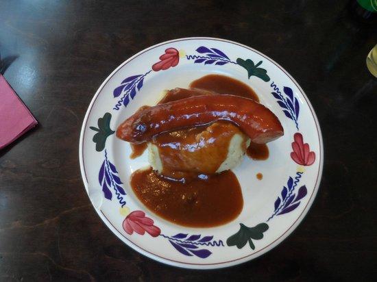 De Blauwe Hollander: Sauerkraut hotchpotch with sausage and gravy