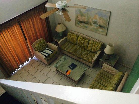 Ocean Reef Yacht Club & Resort : My living room in my 2BR Suite