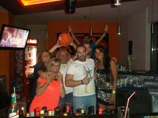 Mojo Cocktail Bar: Mojo regulars!