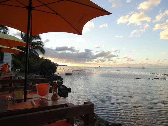 Scenic view from Moorea Beach Cafe