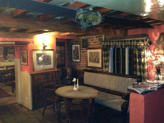 The George and Dragon at Swallowfield: Interior View 1