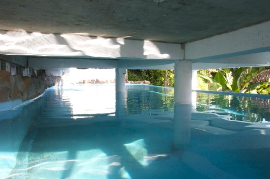 Crystals St Lucia: Pool under deck
