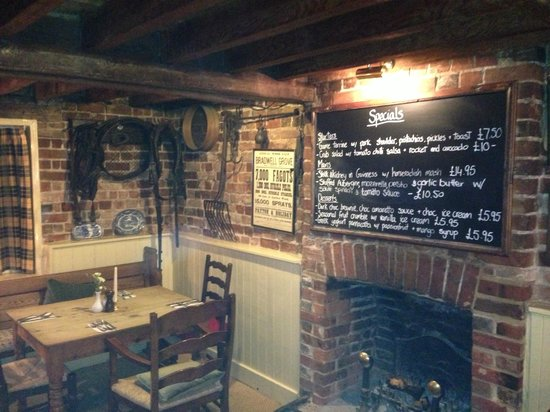 The George and Dragon at Swallowfield: Interior View 2