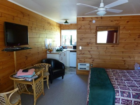 Cedarwood Lakeside: comfortable studio