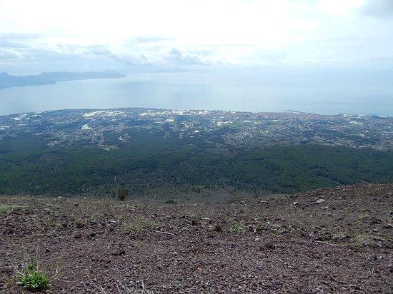 Vesuv: Где-то там внизу - Помпеи!