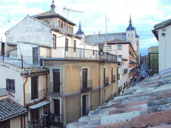 Hotel Domus Plaza Zocodover : Desde la habitación se ve el Alcázar
