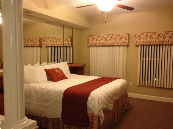 Westgate Town Center Resort & Spa: Loved the bed (pillows were too soft for me)